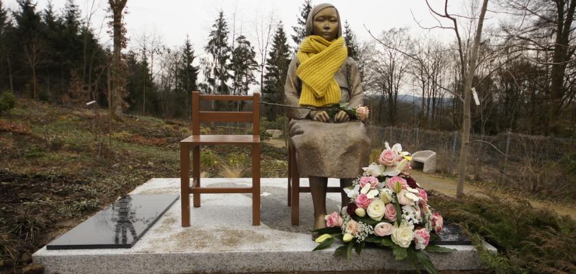 Erste Friedensstatue in Deutschland in Wiesent bei Regensburg