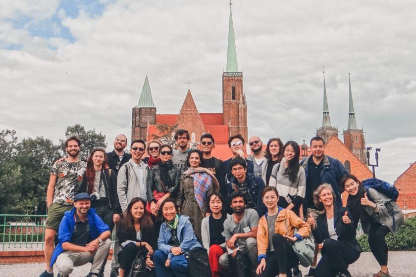 Die Teilnehmenden von EPRIE 2018 beim Stadtrundgang in Breslau, Polen